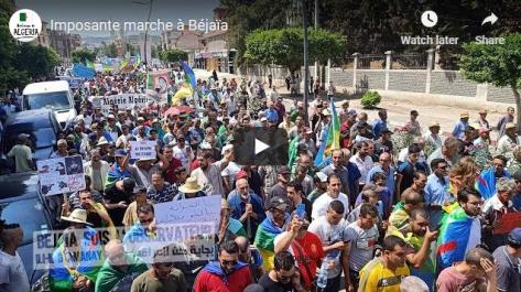 Imposante manifestation contre le système à Béjaïa