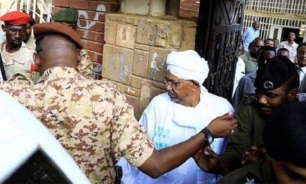 Soudan : l'ex-président Omar-al-Bachir devant la justice