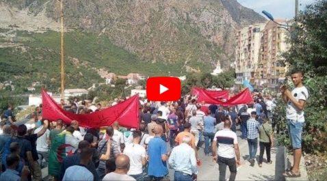 Grandiose manifestation contre la présidentielle à Kherrata [vidéo]