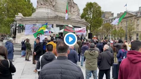 Rassemblement des algériens à la place de la république de Paris