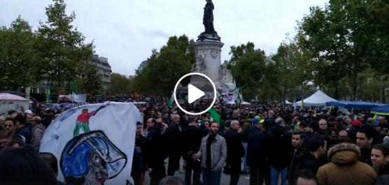Rassemblement d'Algériens à Paris contre la présidentielle avec la «Issaba»