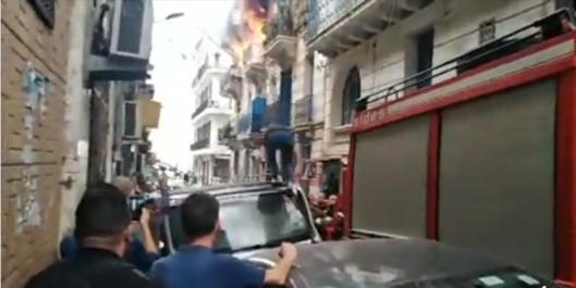 Vidéo : incendie dans un immeuble de la rue Khelifa Boukhalfa (Alger-Centre)