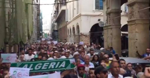Vidéo – 35ème mardi de protestation à Alger : «la loi sur les hydrocarbures à la poubelle»