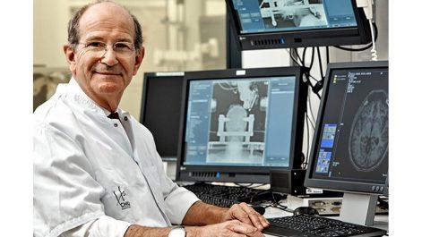 Implant cérébral sur un tétraplégique, la prouesse du professeur Benabid