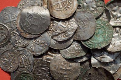 Mila : Saisie de plus de 100 pièces de monnaie archéologiques