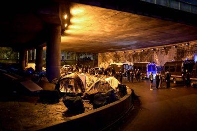 Nord-est de Paris: Importante opération d'évacuation de campements de migrants