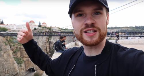Soupçonné d'être un journaliste, un Youtuber anglais arrêté à Constantine