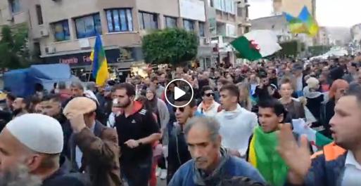 Grandiose manifestation contre la présidentielle à Béjaïa