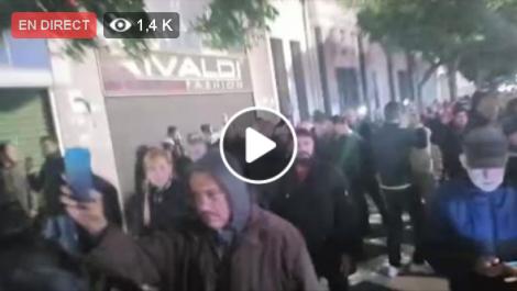 Nuit du Hirak à Alger : Des centaines de manifestants dans la rue contre la présidentielle