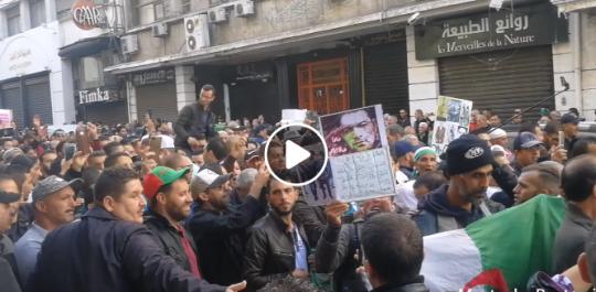 «Macron criminel», nouveau slogan des manifestants à Alger