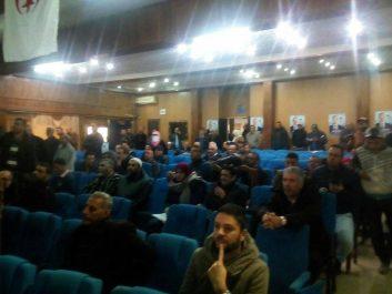 Relizane: sans soutien populaire, Bengrina anime un meeting devant son staff et des journalistes
