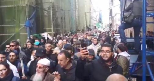 Vidéo – 39ème mardi du Hirak à Alger : les manifestants réclament l'indépendance