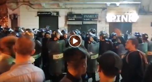 Vidéo   Manifestation nocturne à Alger à la veille de la présidentielle