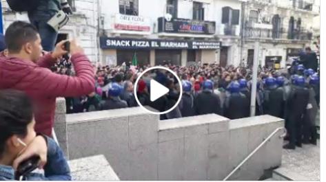 La foule s'intensifie à Alger centre