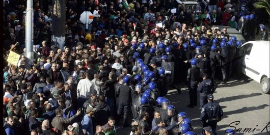 Manifestation anti-élection : Des journalistes violentés par des policiers à Alger