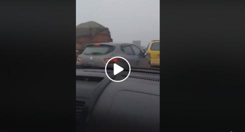 Vidéo | Carambolage de 15 véhicules sur l'autoroute à Oran