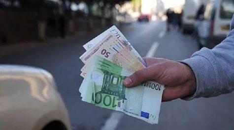 Marché parallèle : L'euro en légère baisse face au Dinar algérien