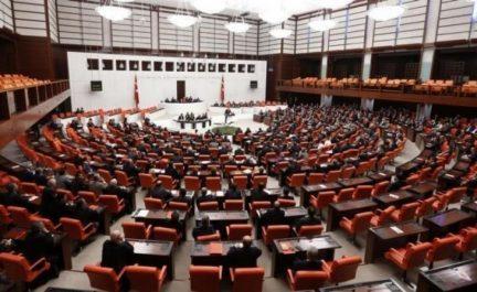 Le parlement turc autorise l'intervention militaire en Libye