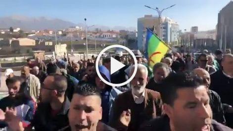 51e mardi : Imposante marche du Hirak à Bouira