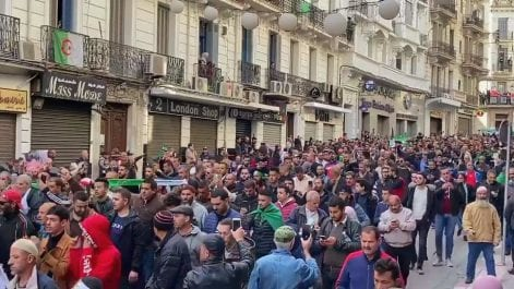 53e vendredi : Une marée humaine déferle à Alger
