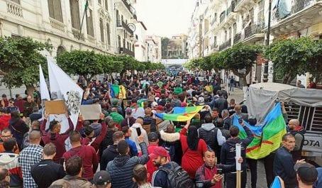 Foule exceptionnelle à Alger pour le 1er anniversaire du Hirak