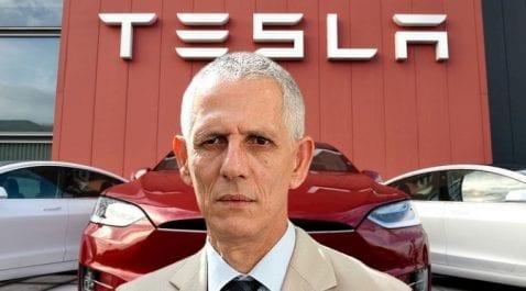 Le ministre de l'Industrie veut des voitures électriques en Algérie