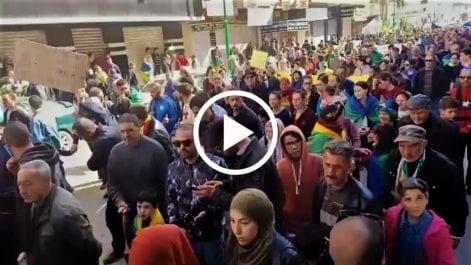 53e vendredi : Des milliers de Hirakistes investissent la rue à Tizi Ouzou
