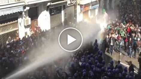 Vidéo   Alger : retour au calme après les affrontements entre les manifestants et la police