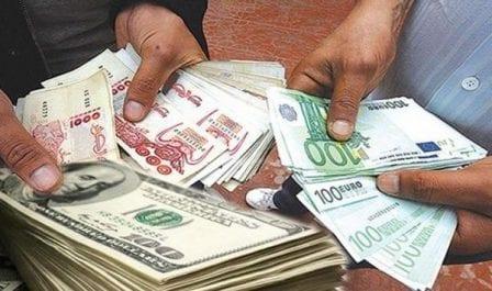 L'euro et le dollar en baisse au marché noir de devises