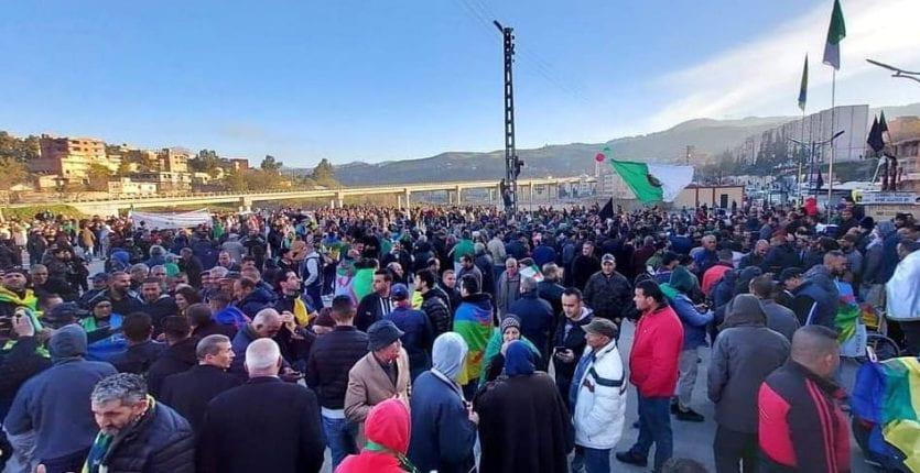 2e anniversaire du Hirak : Imposante manifestation à Kherrata